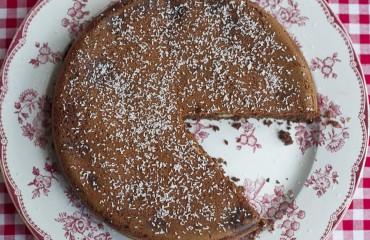 picnic-paris-chocolate-cake