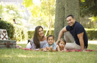 Paris picnic mini photo session with kids