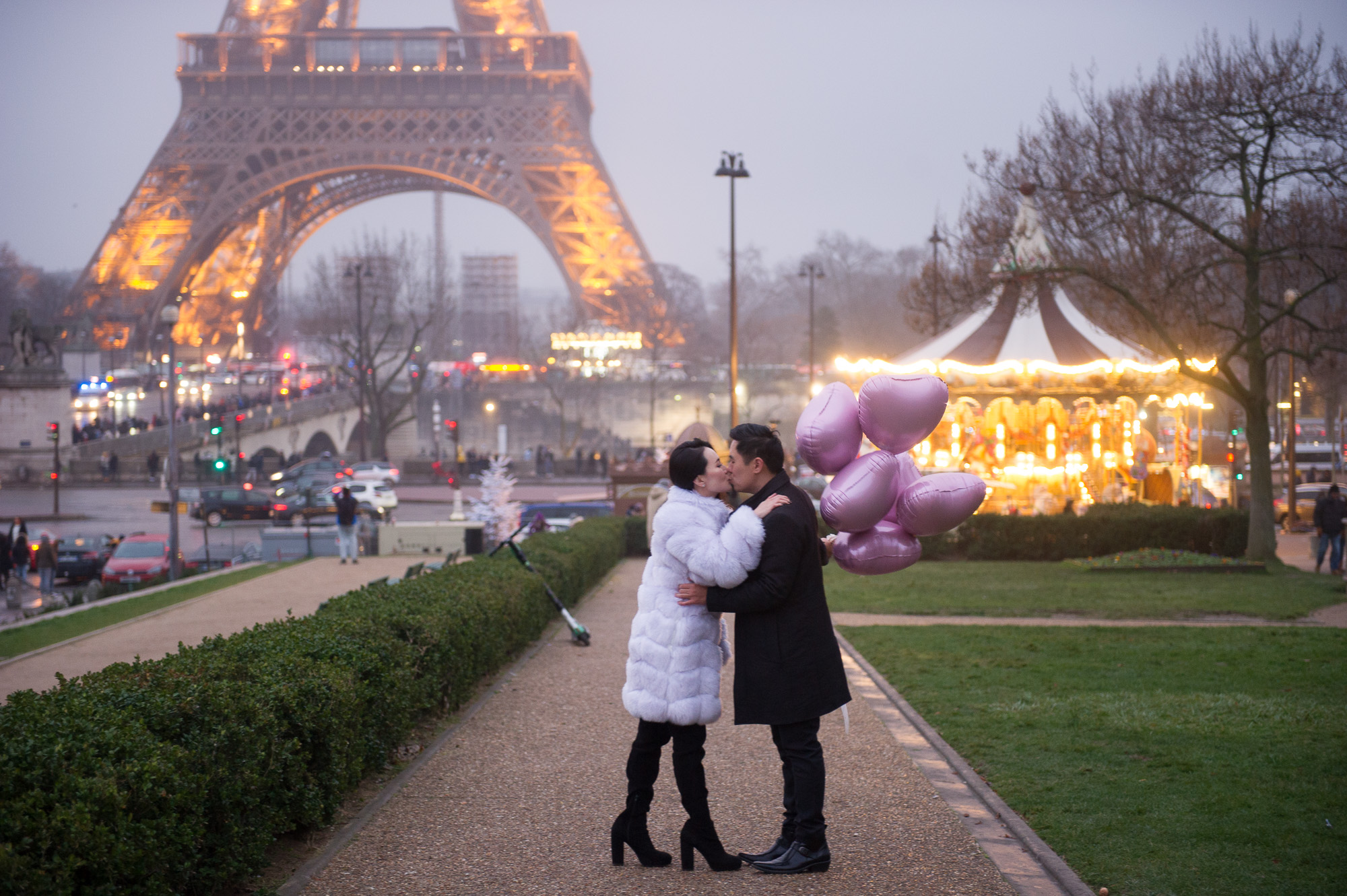 eiffel engagement photo session