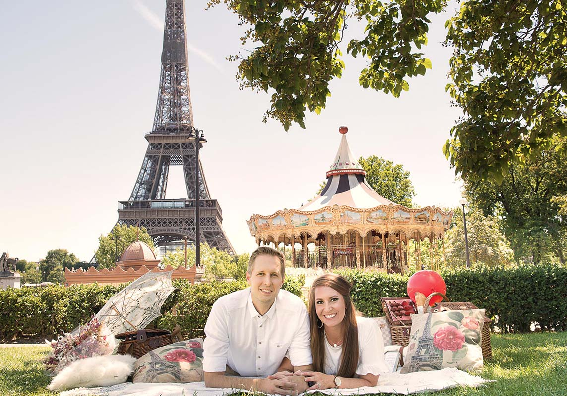 Eiffel-tower-picnic-lovers